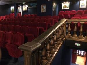 Salle Cinéma American Cosmograph. Source de l'image : https://www.american-cosmograph.fr/american-cosmograph-le-retour.html
